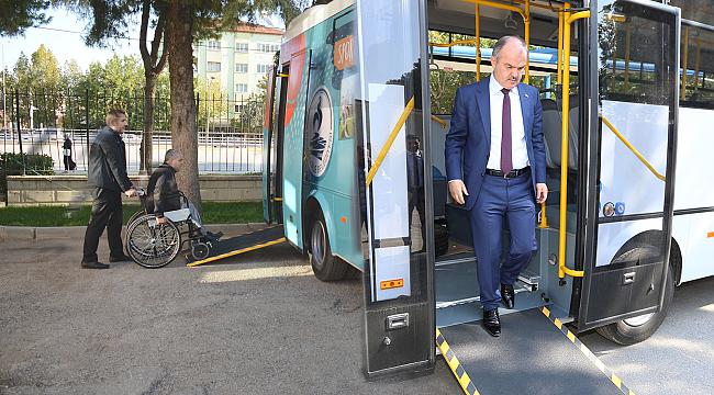Gürlesin'den Engellilere Otobüs Desteği