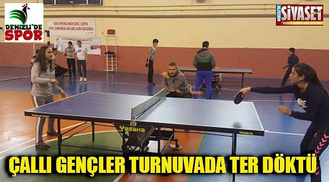 Çal'da 29 Ekim Cumhuriyet Bayramı masa tenisi turnuvası düzenlendi