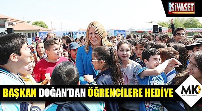 Başkan Doğan'dan öğrencilere hediye