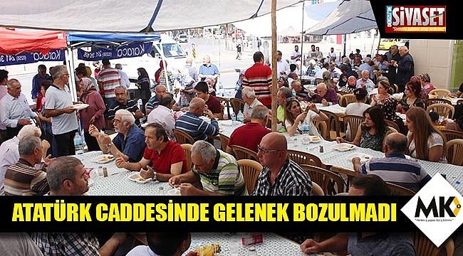 Atatürk Caddesinde gelenek bozulmadı
