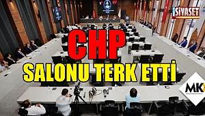 CHP salonu terk etti