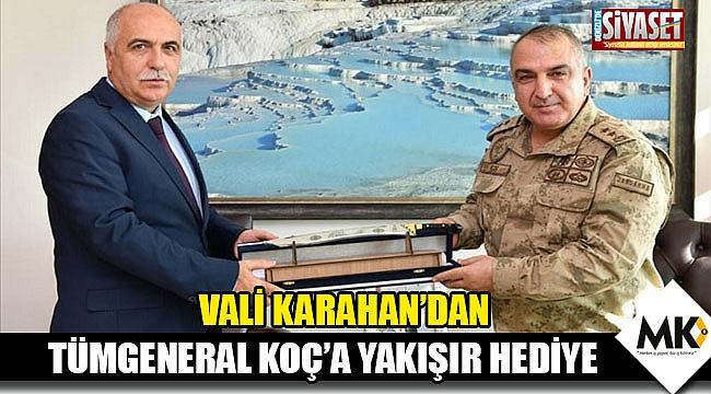 Vali Karahan'dan tümgeneral Koç'a yakışır hediye