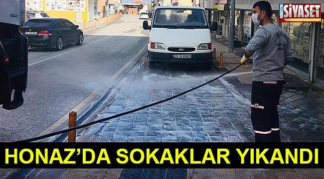 Honaz'da sokaklar yıkandı