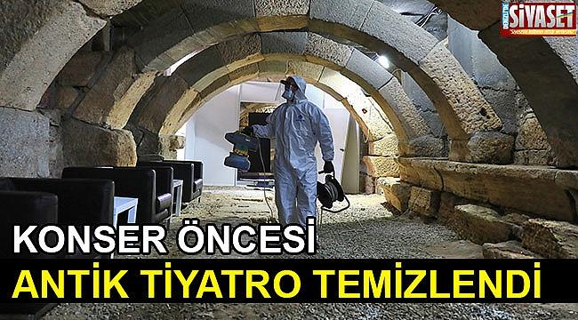 Konser öncesi antik tiyatro temizlendi