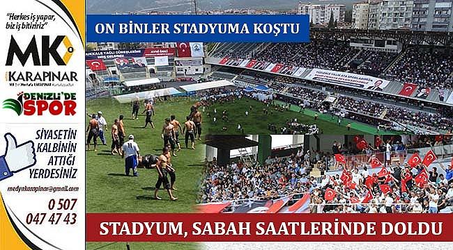 On binler, stadyumda coşku ile güreşleri takip etti